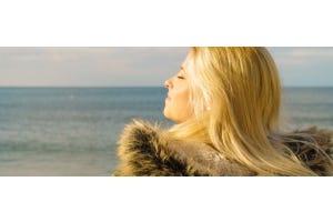 Vrouw in het zonlicht