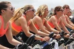 vrouwen in sportschool