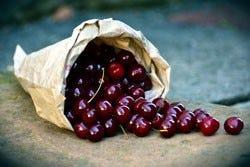 Kersen in een zakje