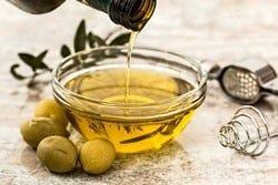 Schaaltje olijfolie