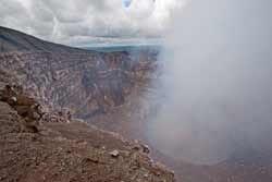 Krater met zwavel
