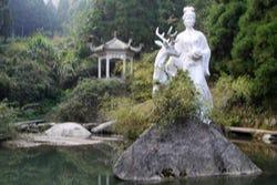 Magu godin standbeeld
